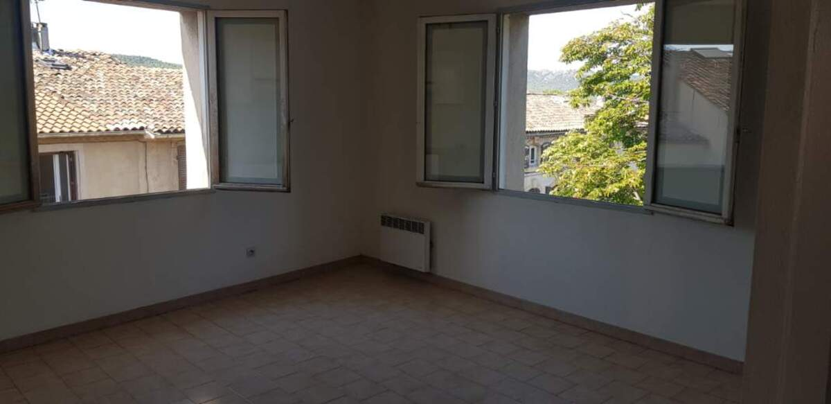 Location Appartement Peyrolles-en-Provence